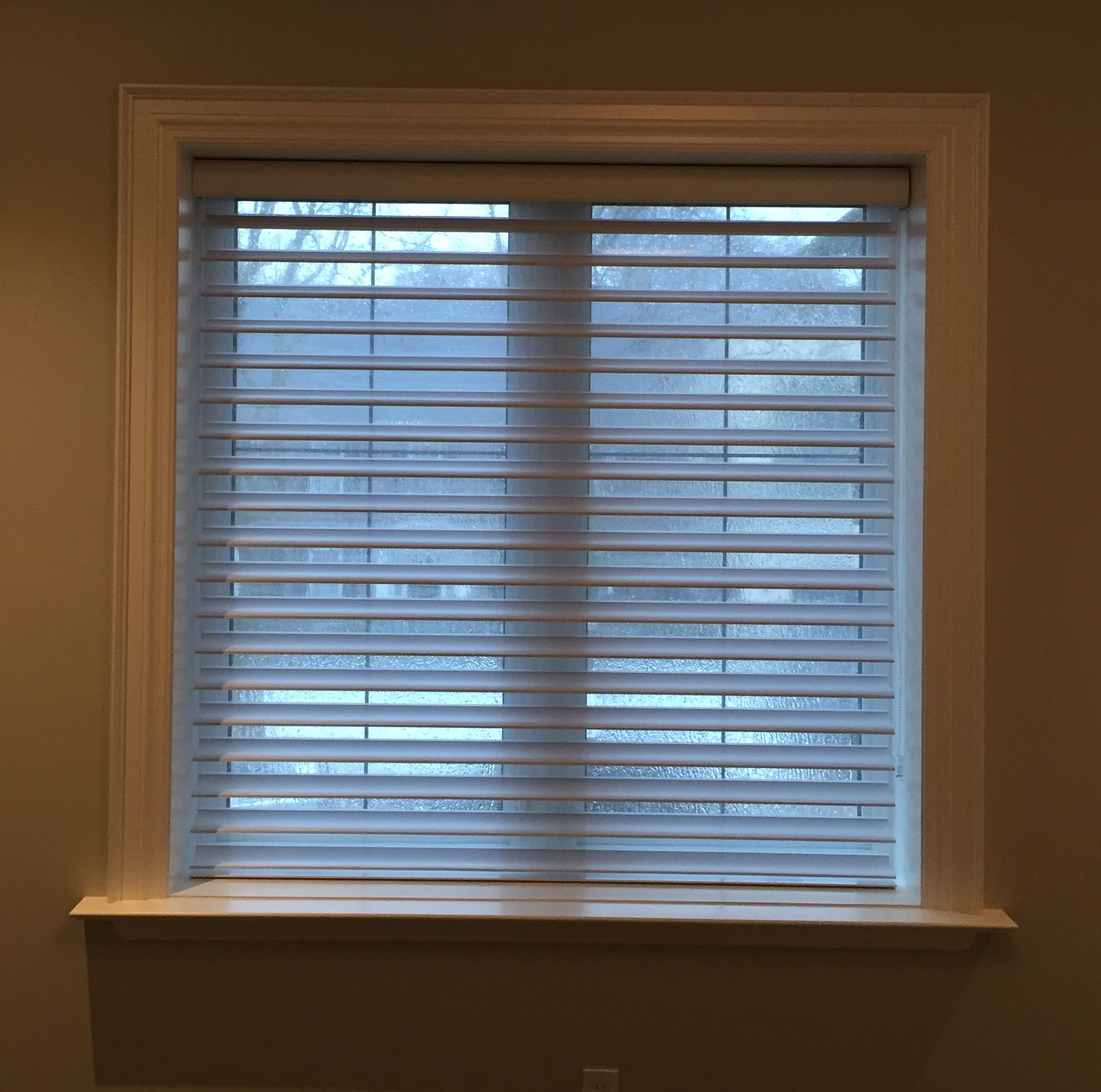 photos full vertical window attachedhanging graber drapery of ideas size blindswindow with hanging blinds sheer curtains